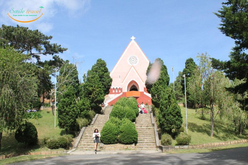 Domaine-de-Marie-Church-smiletravel