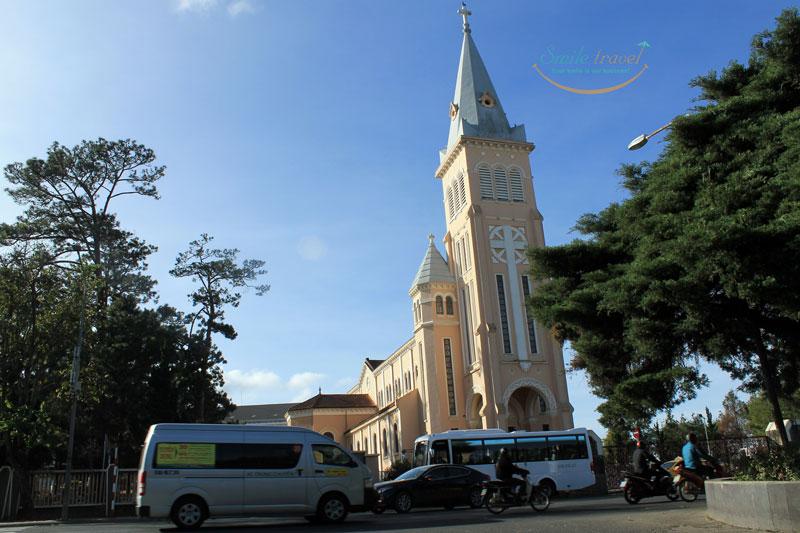 dalat church smiletravel